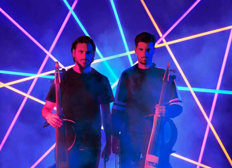 "2CELLOS veröffentlichen ""Pirates Of The Caribbean"" Video"