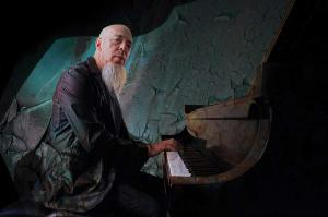 "Neues Solo Projekt ""Wired for Madness"" von Jordan Rudess"